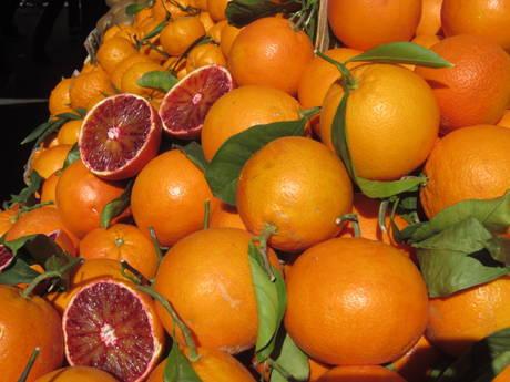 Sono in aumento i quantitativi di arance rosse: i prezzi sono in leggero calo