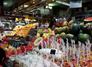 Frutta di IV gamma al mercato de la Boqueria di Barcellona