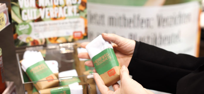 Le reti proposte da Rewe come alternativa ai sacchetti in plastica per l'ortofrutta