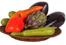 La dieta mediterranea si basa su alcuni pilastri, come il consumo quotidiano di frutta e verdura, sia cruda sia cotta