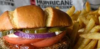 Gli hamburger di Impossible Foods imitano la consistenza della carne