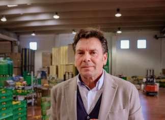 Aurelio Pannitteri, presidente dell'O.P. Rosaria, l'arancia che nasce in Sicilia, alle pendici dell'Etna
