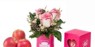 Le mele Pink Lady contenute in una romantica confezione monodose, creata per la catena di fiori Frida's in occasione di San Valentino