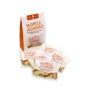 Il multipack Leni's si compone di 5 bustine da 50 g di mele a spicchi, da consumare 5 a day o 5 a week