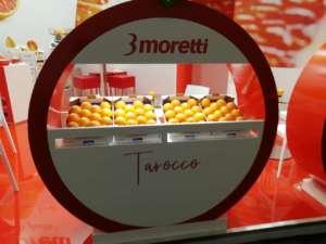 Lo stand di 3moretti a Fruit Logistica, a Berlino: il core business è l'arancia rossa Tarocco
