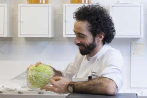 Franco Aliberti ha maturato esperienze in diversi ristoranti stellati, tra cui l'Osteria Francescana
