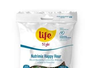 4 nuovi Nutrimix vanno ad arricchire la linea LIFEStyle, per un gustoso aperitivo attento al benessere. La gamma di frutta e semi vede la collaborazione con la Fondazione Umberto Veronesi