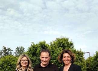 Elena Eloisa Albertini con (alla sinistra) Simone Riolacci, responsabile comunicazione di CIRAD-Inra e (al centro), Simon Pierre Fazi, presidente della Aop Fruits de Corse