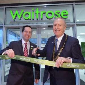 Waitrose & Partners ha 349 store tra Inghilterra, Scozia e Galles ed esporta in 50 Paesi
