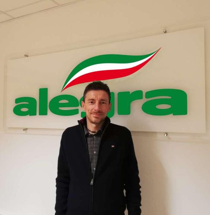 Faentino, 47 anni, Mauro Laghi è laureato in Agraria. Il percorso professionale è stato svolto all'interno della cooperativa Agrintesa. E' anche direttore generale di Alegra
