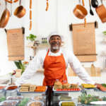 """Sainsbury's ha lanciato i macellai di """"carne"""" vegan, addestrati per dare consigli ai clienti su preparazioni e ricette"""