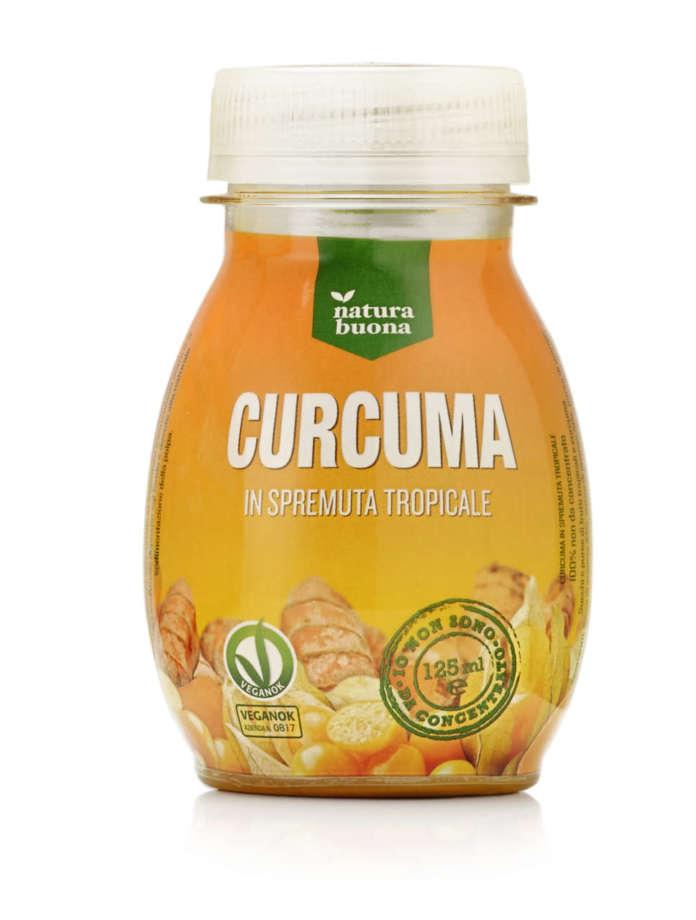 Curcuma in spremuta tropicale è un delizioso mix con papaia, alchechengi e mango e altri frutti