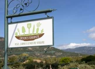 L'Ortoristorante, aperto a Santa Margherita di Pula, vicino al mare, ricava gran parte della materia prima dal proprio orto