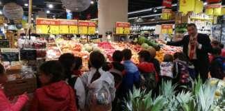 """Il Carrefour Market di Prati Fiscali, a Roma, ha coinvolto 42 alunni del'Istituto Scolastico Paritario """"Caterina Cittadini"""" della Capitale. in un evento ludico-didattico alla scoperta delle ciliegie"""