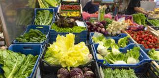 Oscillano i prezzi: salgono per i fichi d'India che entrano nel pieno della campagna commerciale; scendono per i meloni a fine stagione