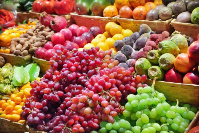 Prezzi in ribasso per la frutta nel pieno della campagna