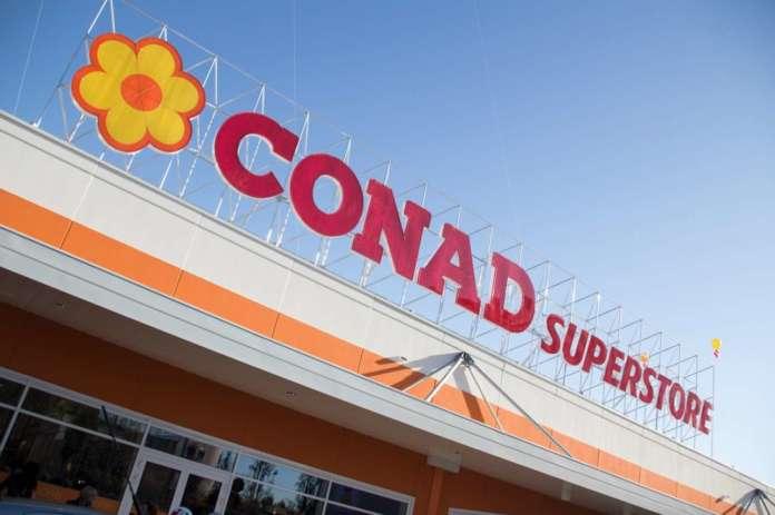 Conad cresce del 3,1% e sale al 69esimo posto della classifica dei più grandi retailer del mondo, seguita da Coop (71esima). Il dato emerge dello studio Global Powers of Retailing di Deloitte