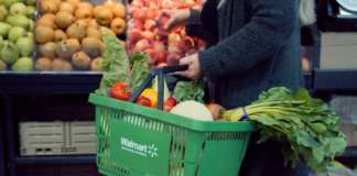 Walmart, la più grande catena al mondo di supermercati, punta sull'integrazione tra negozio fisico e virtuale. Il fresco incide sempre di più nei ricavi