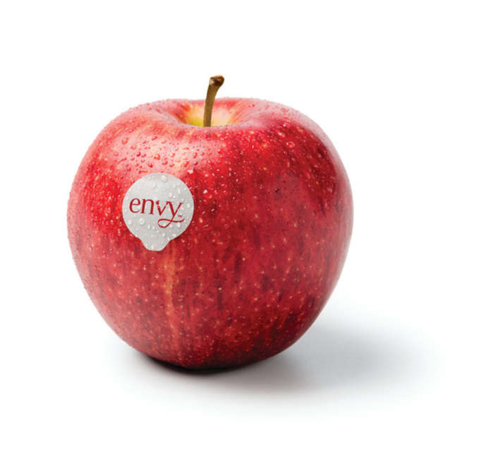 La mela envy commercializzata dai consorzi VOG e VI.P arriva alla nuova stagione con maggiori quantitativi: superano le 4 mila tonnellate