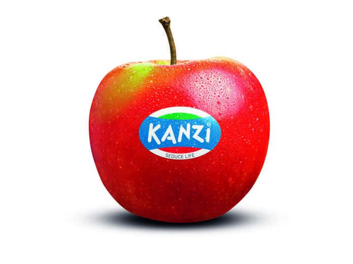 Croccante e succosa, un perfetto bilanciamento tra acidità e dolcezza, la mela club Kanzi, prodotta dai consorzi VOG e VI.P piace a un consumatore giovane
