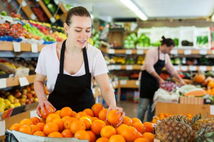 Nei mercati sono sempre più presenti arance Tarocco colorate e di grosso calibro