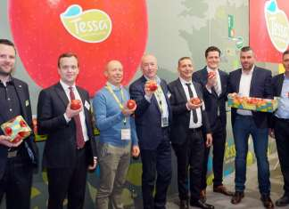 I partner di Tessa, la mela club, riuniti a Fruit Logistica, a Berlino, per il lancio