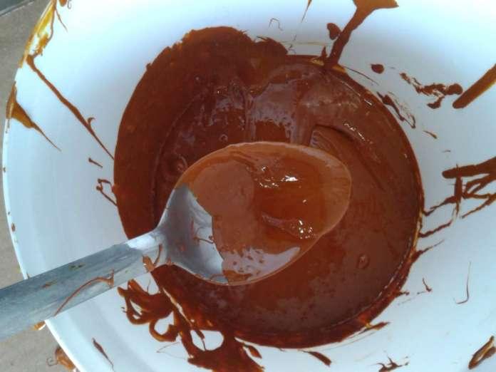 La cutina, un biopolimero estratto dagli scarti delle bucce del pomodoro, diventa la sostanza di partenza della biovernice protettrice brevettata da Tomapaint