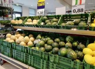 Prezzi stabili per il melone, giunto all'apice della campagna commerciale; in calo per l'anguria