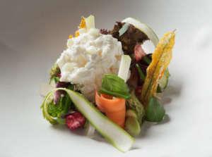 Minestrone frutta e verdura, piatto iconico del ristorante Berton al Lago