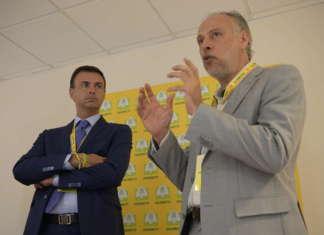 La sigla dell'accordo tra Coldiretti e Associazione per l'agricoltura biodinamica