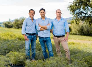 Alessandro Babbini (a sinistra) con gli altri soci dell'azienda conserviera Rinci