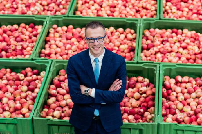 Fabio Zanesco, direttore commerciale dell'associazione dei produttori di mele della Val Venosta