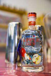 Kiku Apple Gin, prodotto in partnership con Roner