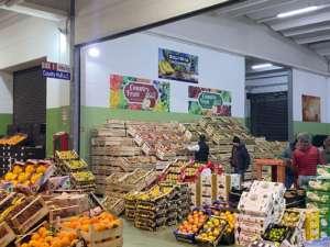 Uno dei box Country Fruit al Mercato di Taranto