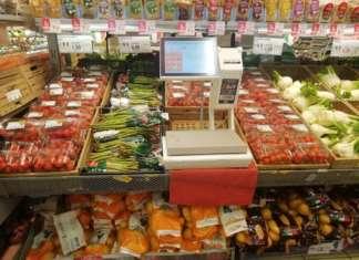 Calano i prezzi di diverse verdure di stagione, tra cui gli asparagi