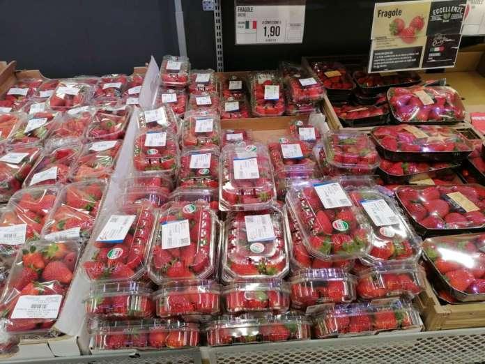In discesa i prezzi delle fragole